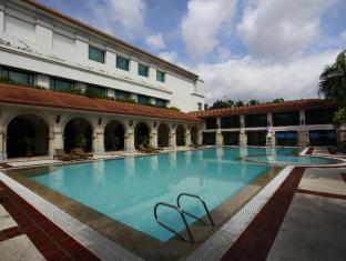 Waterfront Airport Hotel and Casino Mactan Mactan Island - Swimming Pool