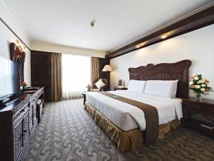 Waterfront Airport Hotel and Casino Mactan Mactan Island - Superior Room