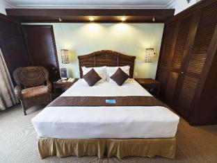 Waterfront Airport Hotel and Casino Mactan Pulau Mactan - Kamar Suite