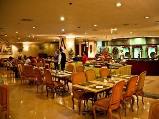 Grand Regal Hotel Davao Davao - Restauracja