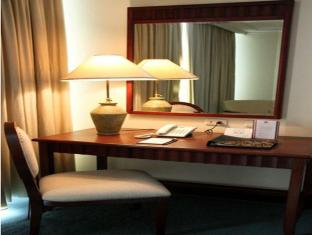 Grand Regal Hotel Davao Davao City - Gastenkamer