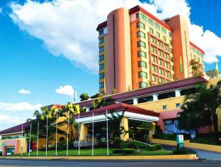 Grand Regal Hotel Davao Davao City - בית המלון מבחוץ