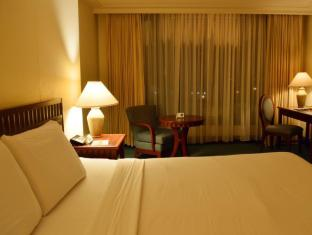 Grand Regal Hotel Davao Davao City - חדר שינה