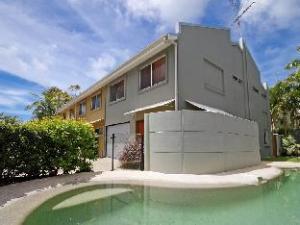 Noosa Apartments 1 The Islander
