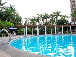 世纪公园酒店 马尼拉 - 游泳池