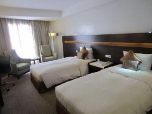 Century Park Hotel Manila - Habitació