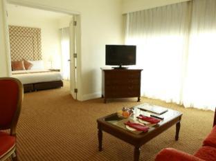 Manila Pavilion Hotel & Casino Manila - Suite Room