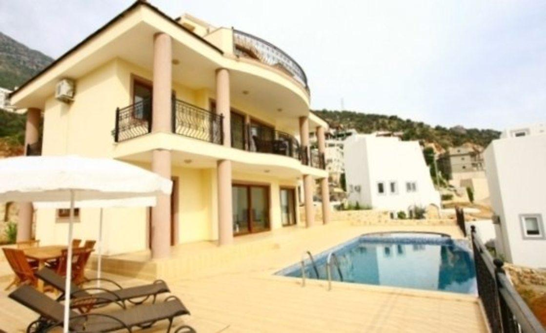 Stunning Villa With Private Pool And Majestic Views