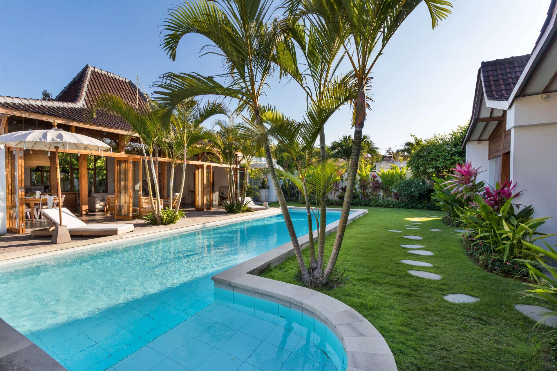 Picture Relaxing Beside Your Private Pool In Seminyak While The Staff Serve You Ice Cold Drinks
