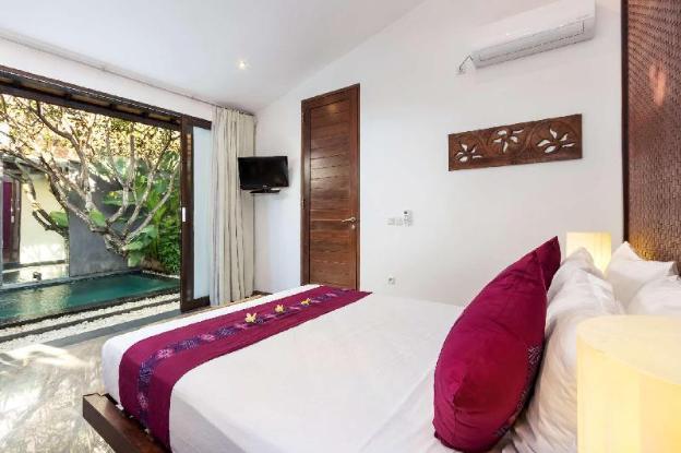 Luxury 1 Bedroom Holiday Villa in Seminyak with Private Pool, Villa Bali 2011