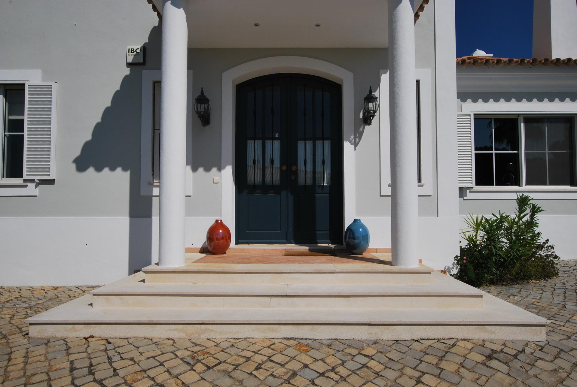 Picture Relaxing by Your Private Pool in Your Beautiful Villa in the Algarve  Algarve Villa 1059
