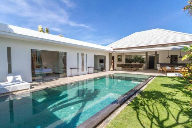 Imagine Your Family Renting a Luxury 3 Bedroom Holiday Villa Close to Seminyak 's Main Attractions