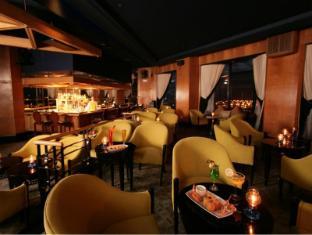 Diamond Hotel Manila - Sky Lounge Music Bar