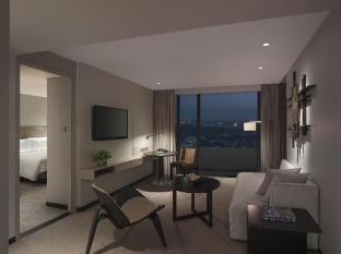 New World Makati Hotel Manila - One Bedroom Suite