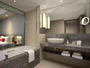 Carlton Hotel Singapore Singapore - Executive Room Bathroom