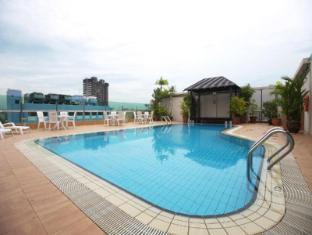 Bayview Hotel Singapore - Piscina