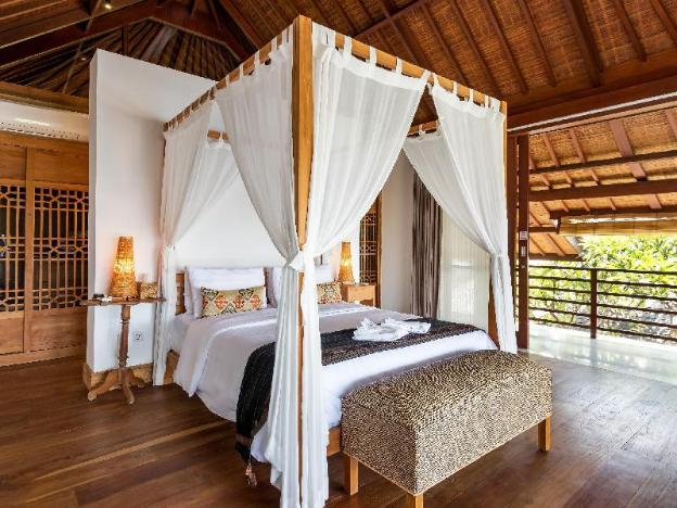 2BR Luxury Villa in Seminyak - Frangipani Waters