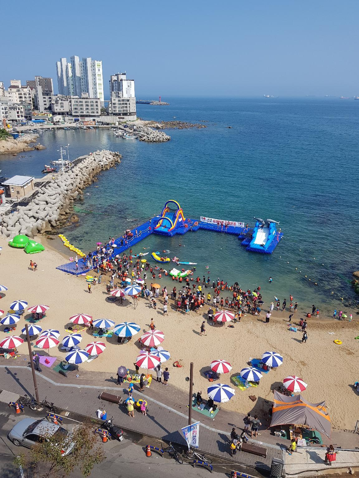 Bangeojin Seaside Beach Front Apartment