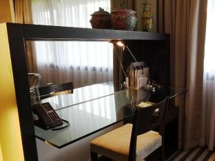 Concorde Hotel Singapore Singapore - Deluxe Room - Working Desk