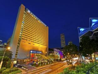 Marina Mandarin Singapore Hotel Singapore - Hotel Facade - Evening View