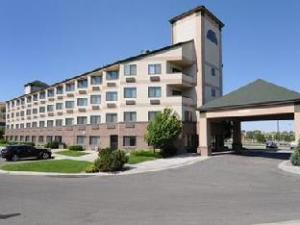 Comfort Inn and Suites Market Airport