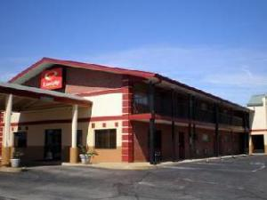 Econo Lodge Inn and Suites I35 at Shawnee Mission Overland Park