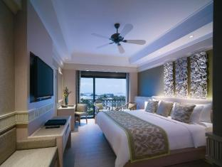 Shangri-La's Rasa Sentosa Resort & Spa Singapore - Deluxe Seaview Room