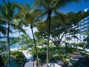 Shangri-La's Rasa Sentosa Resort & Spa Singapore - Garden and Pool