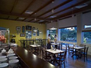 Shangri-La's Rasa Sentosa Resort & Spa Singapore - Noodles Restaurant