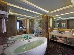 Amari Watergate Hotel Bangkok - Executive Suite Bathroom