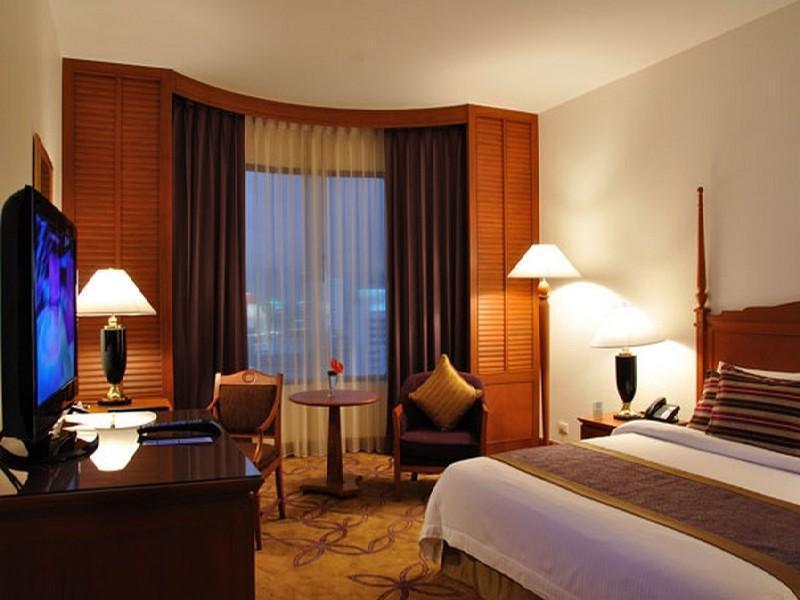 Century Park Hotel โรงแรมเซ็นจูรี่ พาร์ค