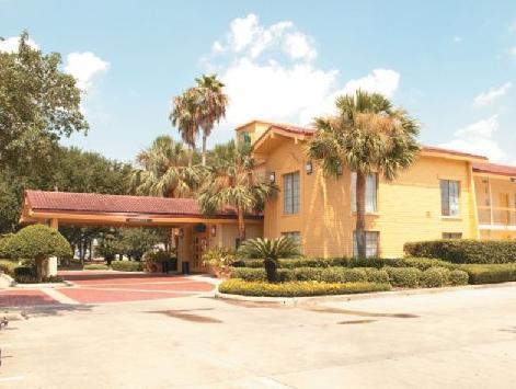 Motel 6 Baytown West   Garth Road