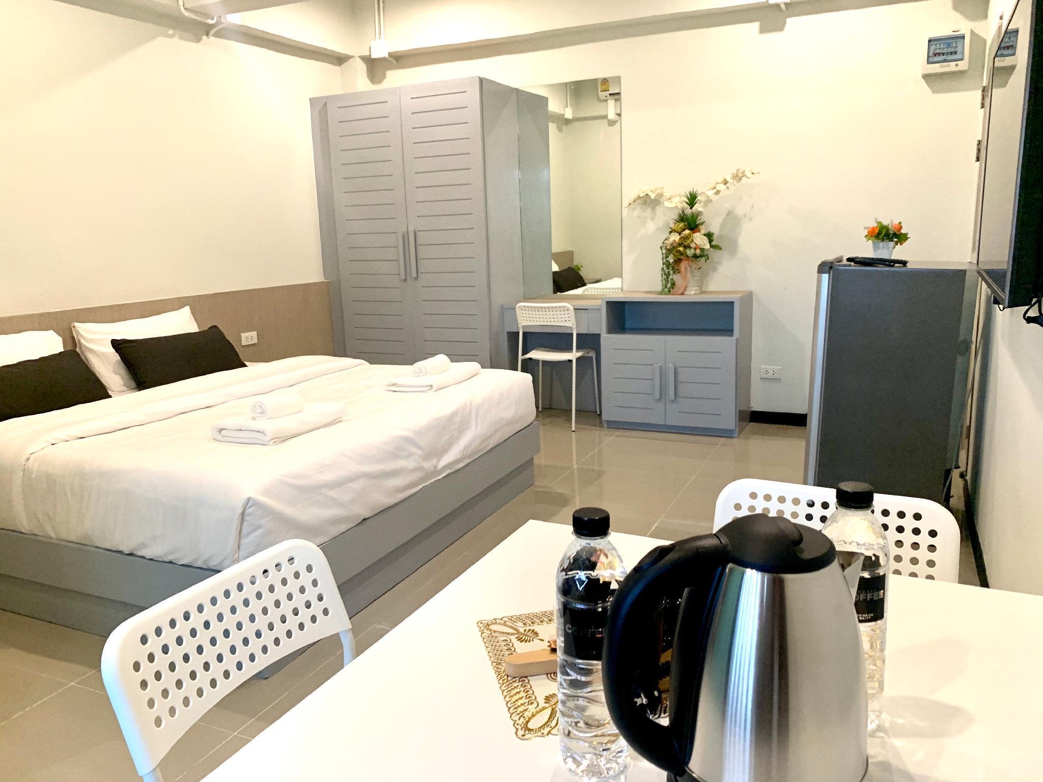 Cozy Studio Close To Phuket City Center@ Pool View