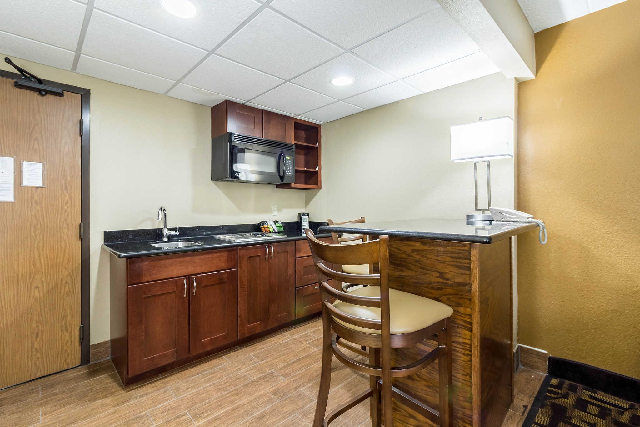 Quality Inn & Suites Arden Hills   Saint Paul North
