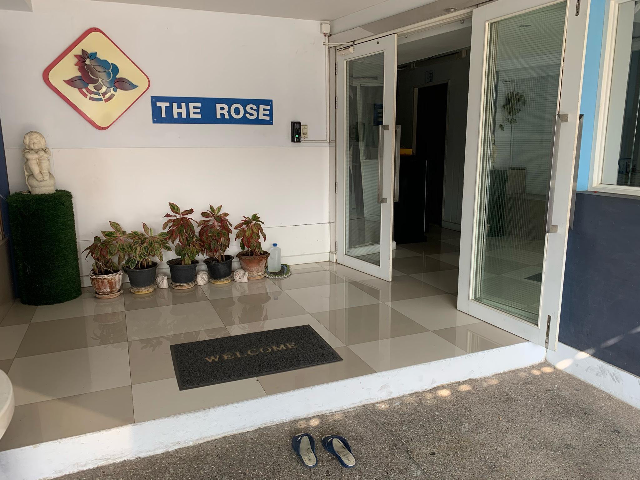 Modest stay at The Rose Apartment สตูดิโอ อพาร์ตเมนต์ 1 ห้องน้ำส่วนตัว ขนาด 24 ตร.ม. – บางนา
