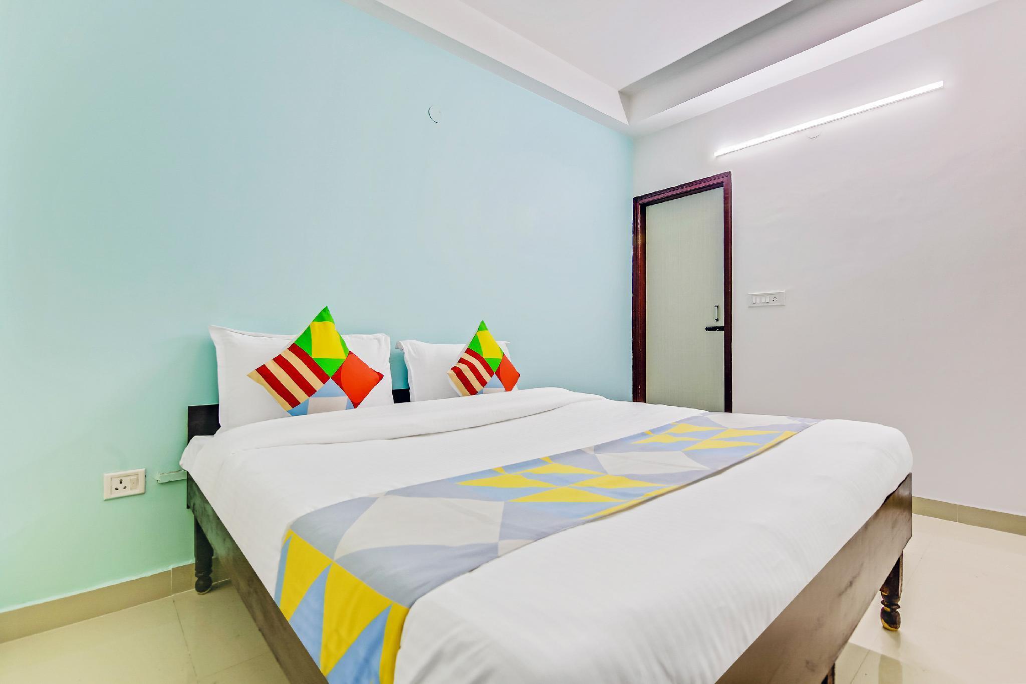 OYO 60572 Cozy Stay Lajpat Nagar Metro