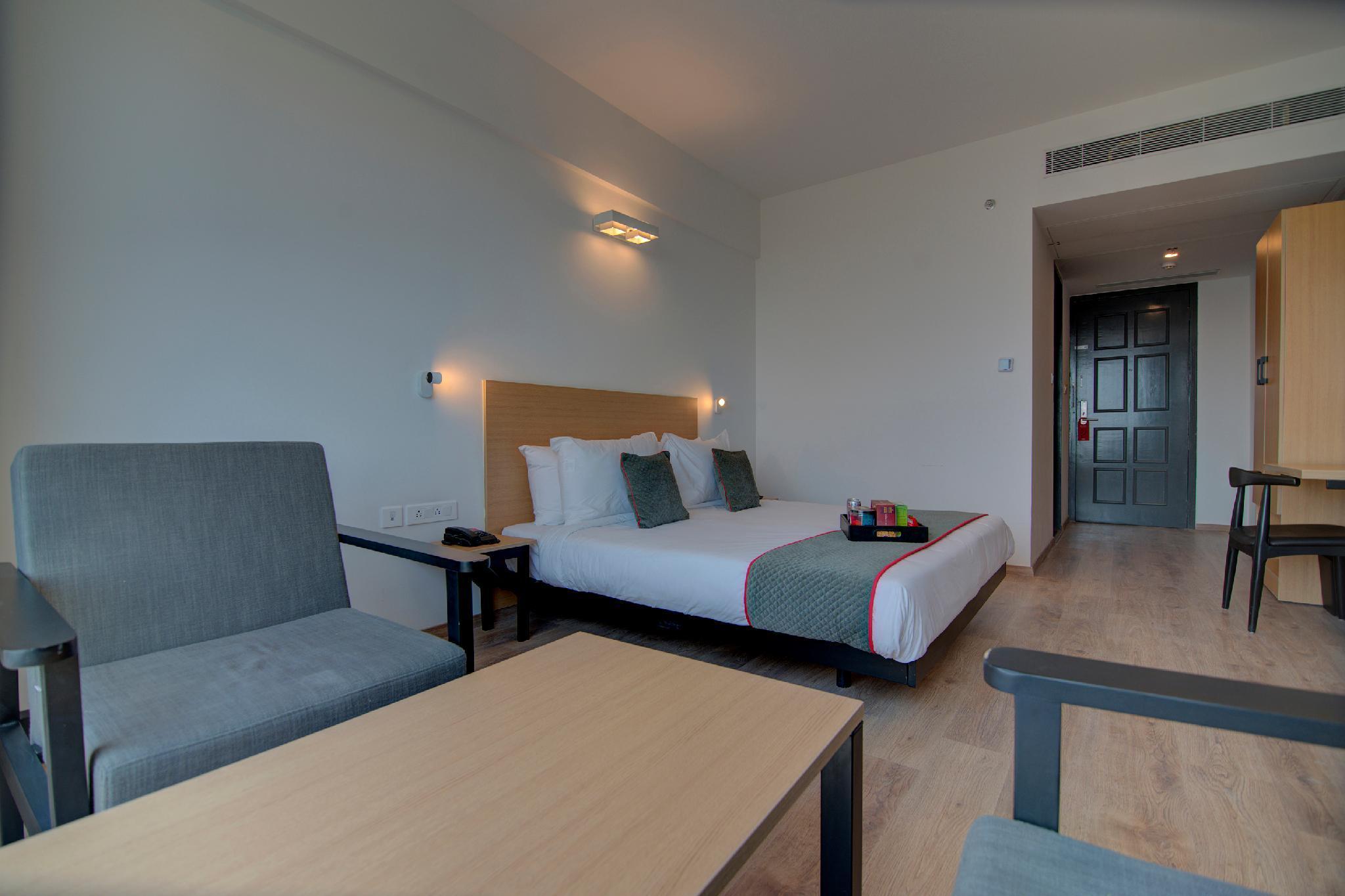 OYO Townhouse 253 Forum Hotel Ram Nagar