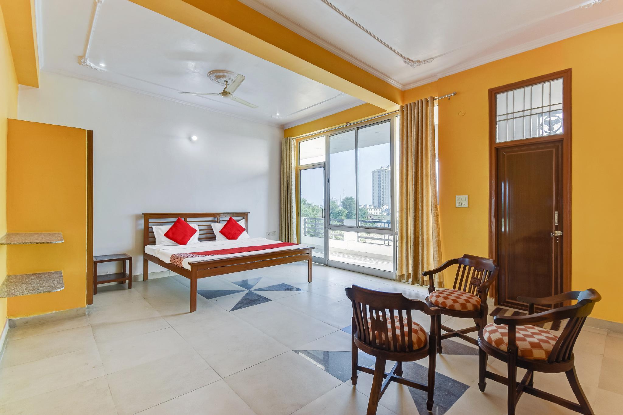 OYO 64464 Hotel Gulmohar