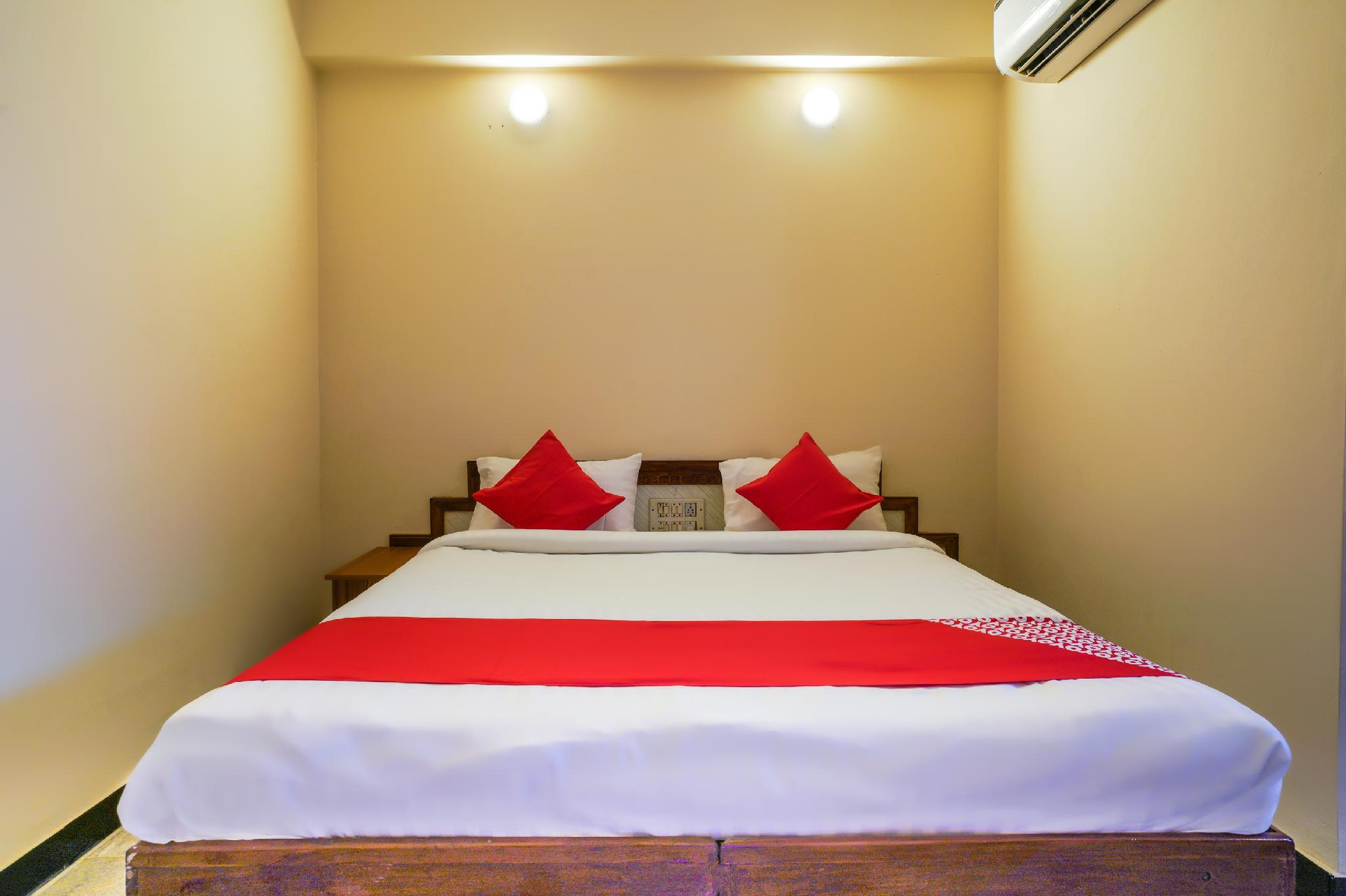 OYO 49253 Raja Residency