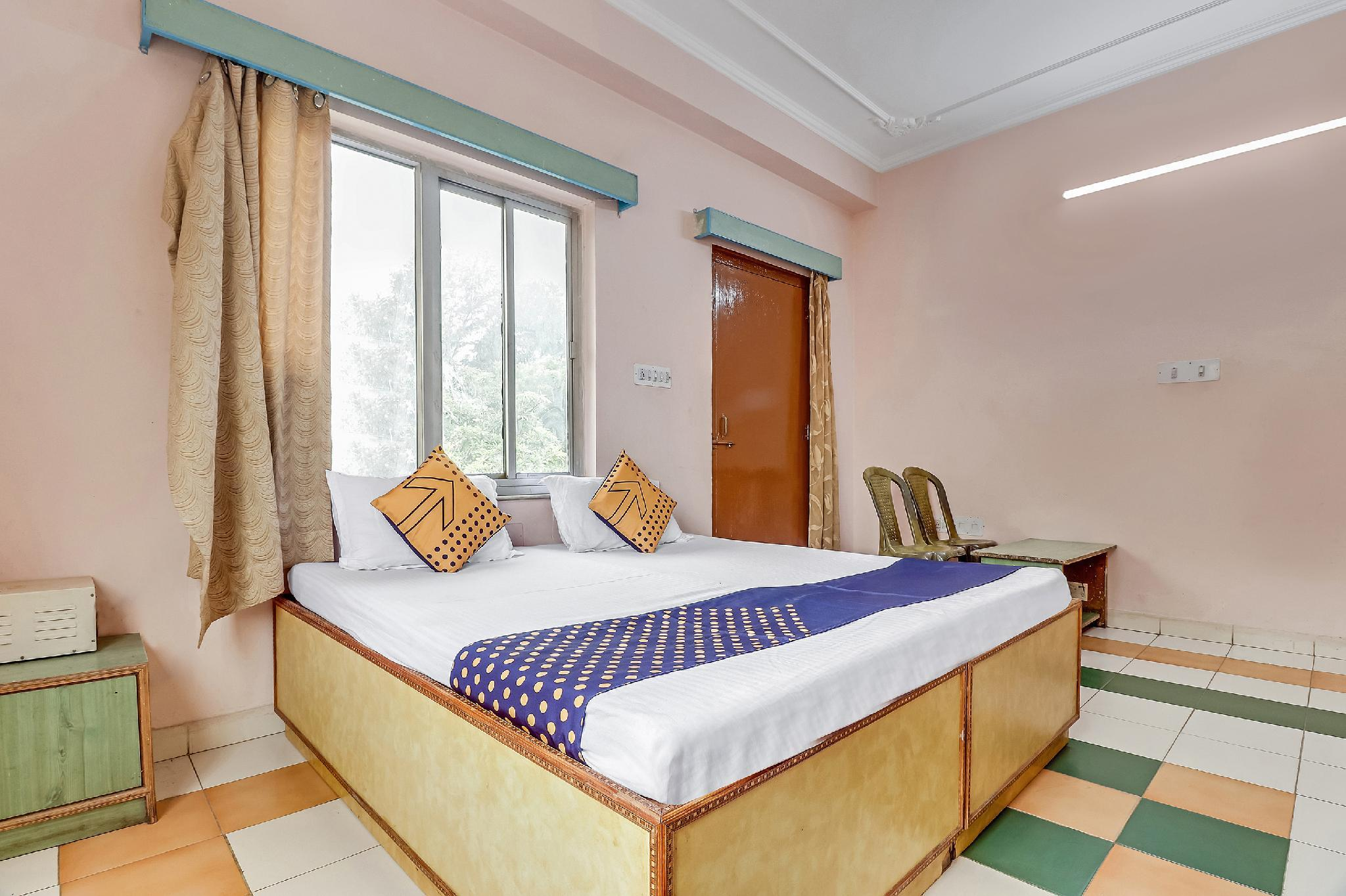 SPOT ON 64302 Jhurmut Hotel And Restaurant