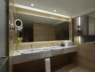 The Landmark Hotel Bangkok Bangkok - Premium Corner Bathroom