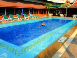 Empress Hotel Chiang Mai - Swimming Pool