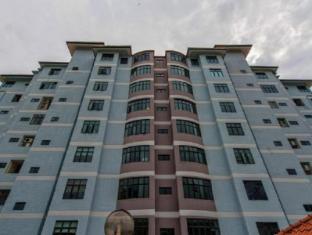 LSE @ Palm Garden Condominium