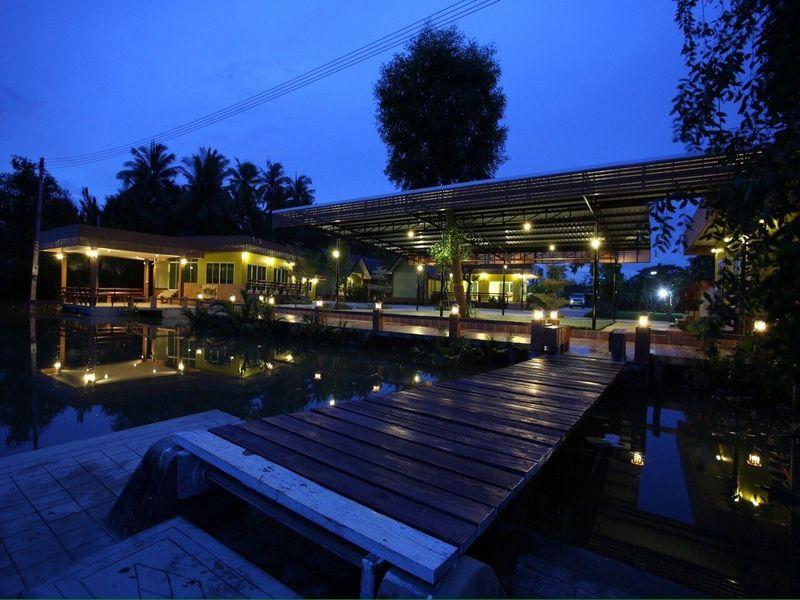 Nature And Green Amphawa Resort