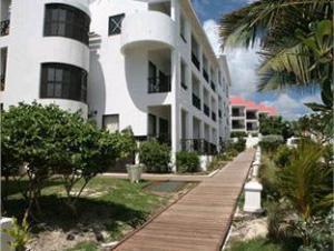 Silver Point Villa Hotel