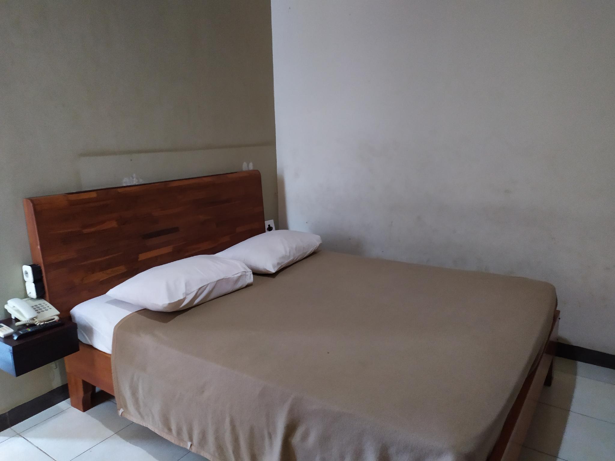 OYO 2006 Hotel Luvio Makassar