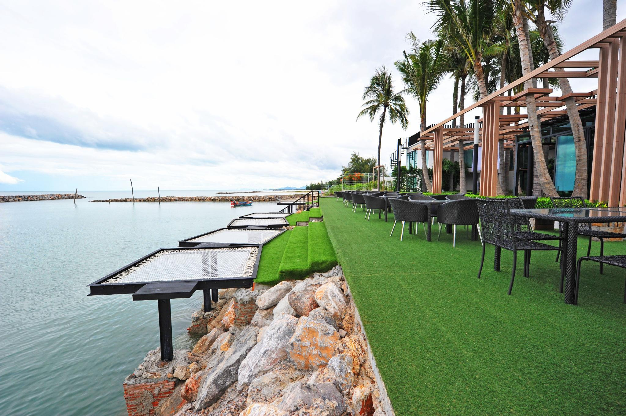 Eco Moment Beach Resort