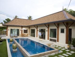 Two Villas Holiday: Oriental Style Layan Beach Phuket - Villa