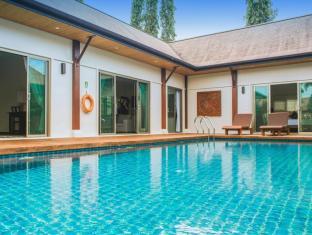 Two Villas Holiday: Oriental Style Layan Beach Phuket - Interior