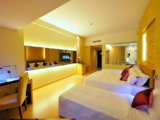 The Klagan Regency Hotel Kota Kinabalu - Deluxe Room With Extra Bed